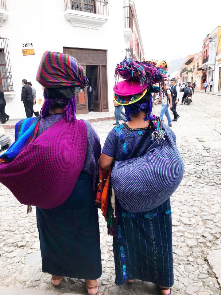 people-antigua-guatemala