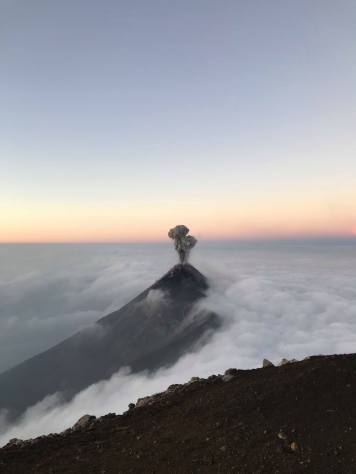 volcan-acatenango-guatemala