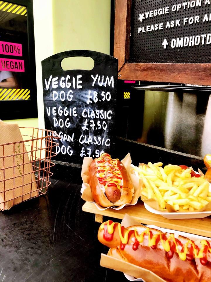 camden-market-vegan-hotdog